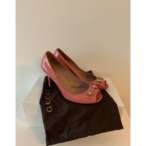Gucci Signature Horsebit Pumps